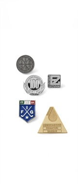 Pin badges<br />and medals